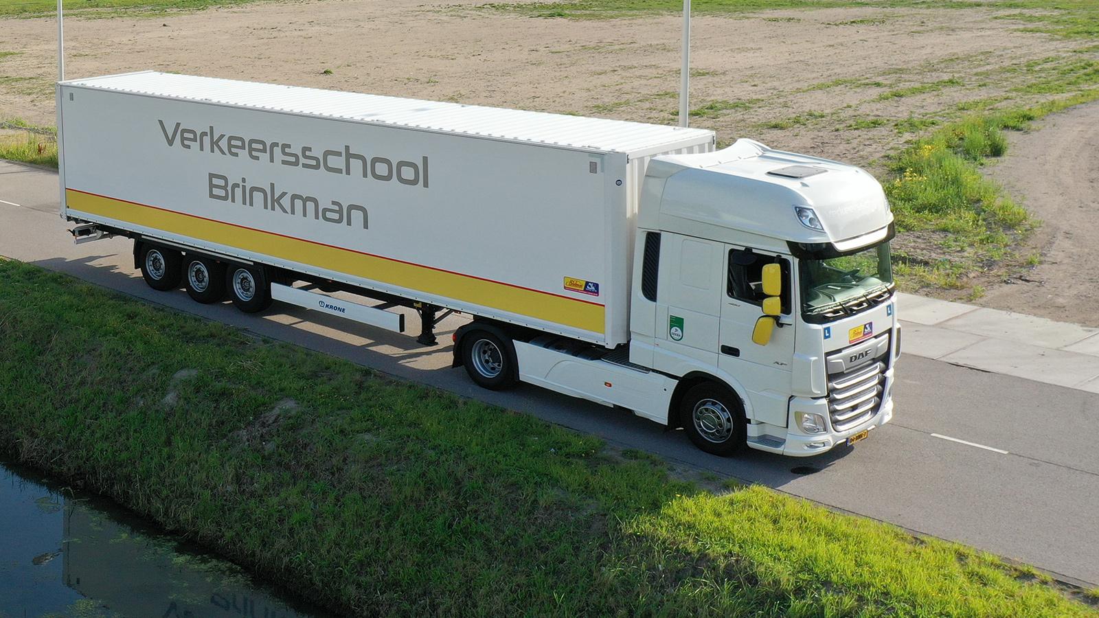 Verkeersschool Brinkman vrachtauto oplegger